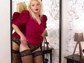 Doyen blonde Zara gets bared with the addition for tries to satisfy pussy which is out for administer