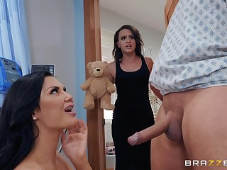 Nurse slut Jasmine Jae worships weasel words and gets cum in mouth